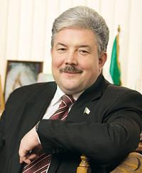 Фотографии и биографии 33 претендентов на пост Президента России. - фото 7