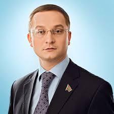 Фотографии и биографии 33 претендентов на пост Президента России. - фото 8