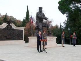 Путин перед выборами открыл памятник Александру 3
